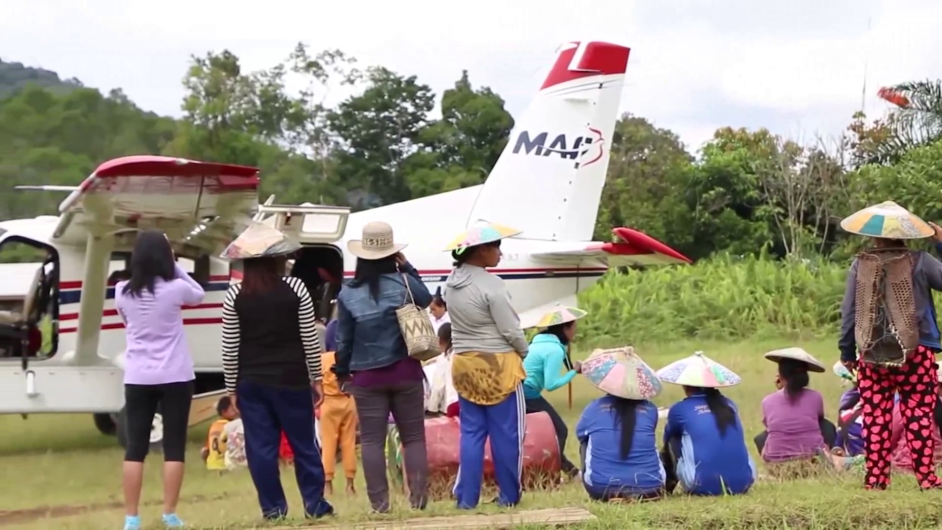 MAF Flying a group of woman in Kalimantan