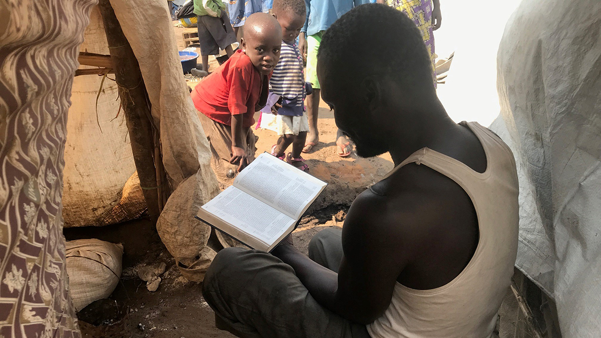 Bible reading at IDP
