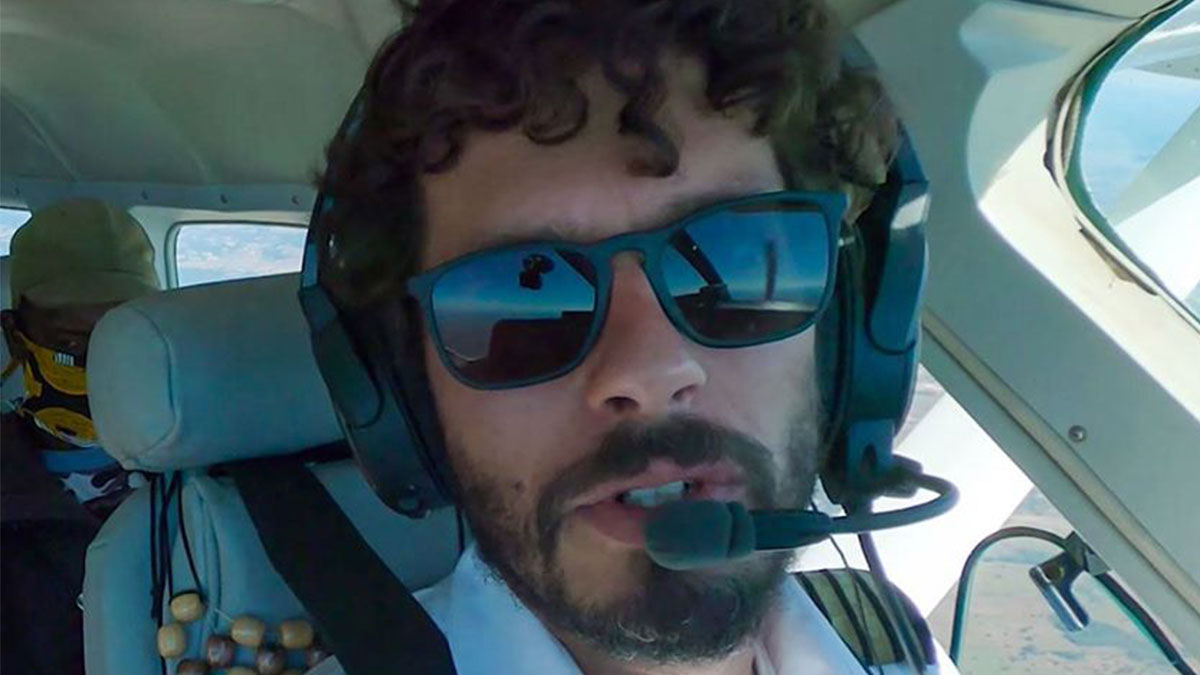 MAF Pilot, Marijn Goud, flying a passenger in need of help