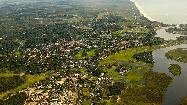 Manakana from the air
