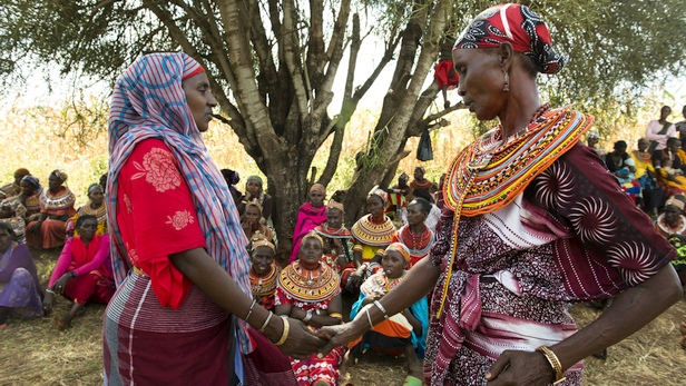 Borana and Rendille widows of warring tribes meet as part of the Sauti Moja peace project. Photo: LuAnne Cadd