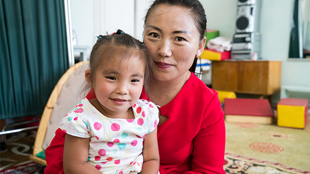 Namuun (4) and her mom, Oyunaa, at the Reaching the Light satellite center located in the Ulaangom hospital.
